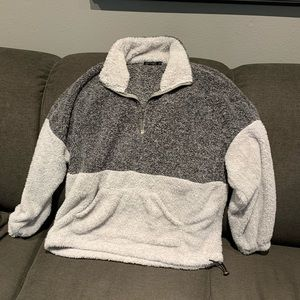 Fuzzy two tone Sherpa half zip pullover
